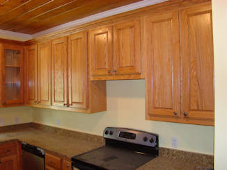 Exceptional Crown Molding Accent The Upper Cabinets.